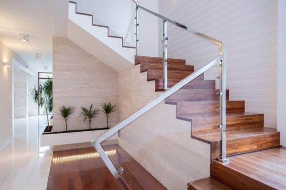 Agence immobilière pour la vente d'une maison à étages Roanne